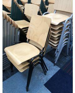 Houten stapelstoel, kantinestoel,Zwart frame