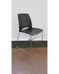 Vandersluis Braz kunststof stoel zwart met draadframe chroom, Stapelbaar/Koppelbaar